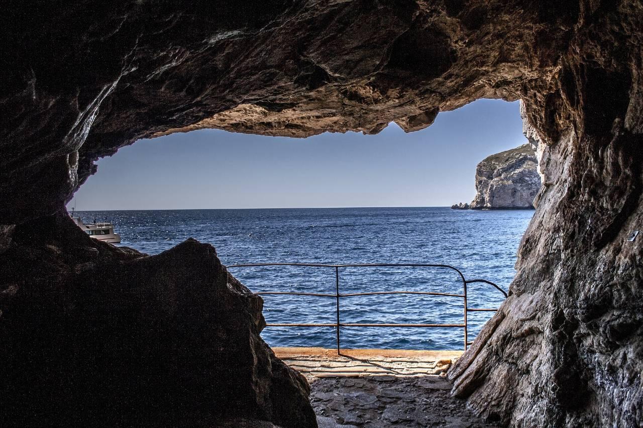 Vista dalle Grotte di Nettuno